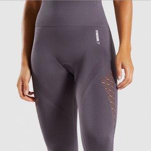 GYM SHARK / seamless leggings